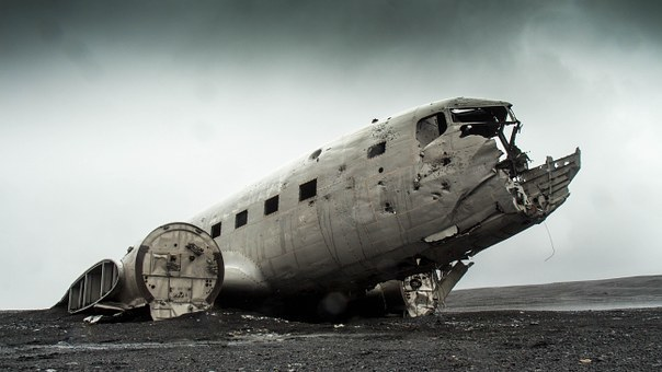 airplane-731126__340.jpg