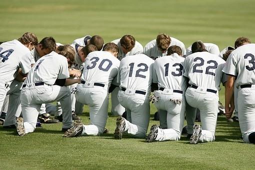 baseball-team-1529412__340.jpg