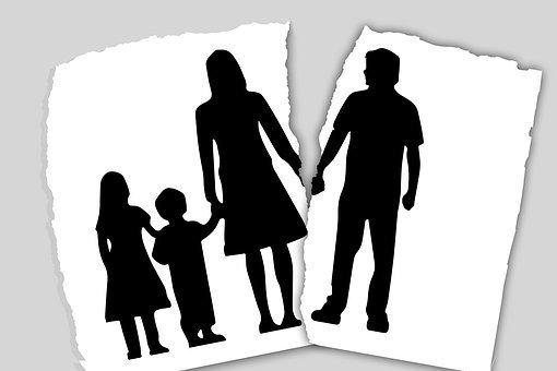 family-3090056__340.jpg
